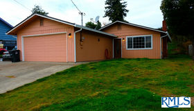 438 N Wasson, Coos Bay, OR 97420
