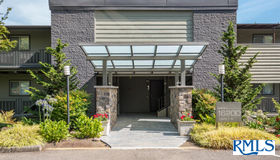 16200 Pacific hwy #9, Lake Oswego, OR 97034