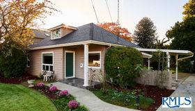10428 NE Pacific St, Portland, OR 97220