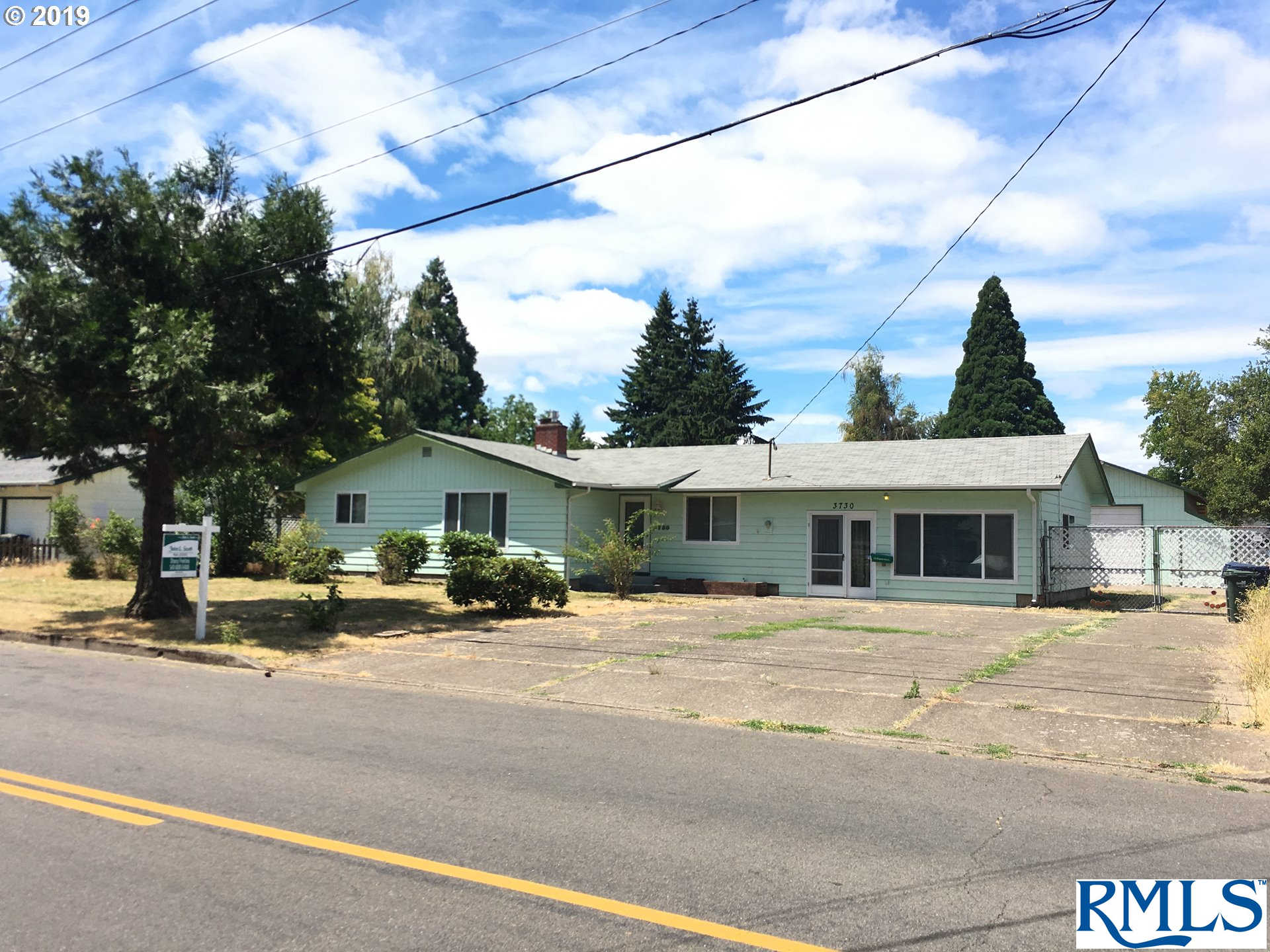 3730 Scenic Dr, Eugene, OR 97404 now has a new price of $319,900!