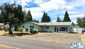 3730 Scenic Dr, Eugene, OR 97404