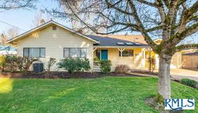 3177 Crocker Rd, Eugene, OR 97404