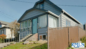 1533 Mcpherson, North Bend, OR 97459