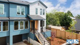 839 NE Ashley St, Portland, OR 97211