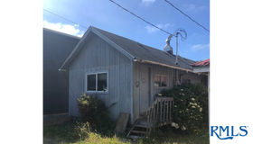 8360 Cedar St, Rockaway Beach, OR 97136