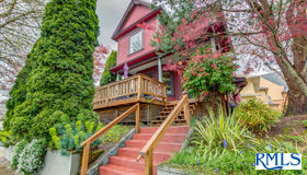 111 N Monroe St, Portland, OR 97227