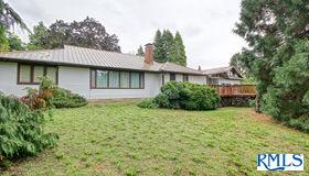 110 Corliss Ln, Eugene, OR 97404