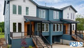 831 NE Ashley St, Portland, OR 97211