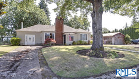 5862 S Whiskey Hill Rd, Hubbard, OR 97032