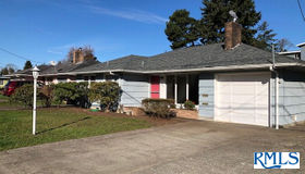 836 Newmark, North Bend, OR 97459