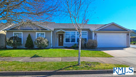 843 57th St, Springfield, OR 97478