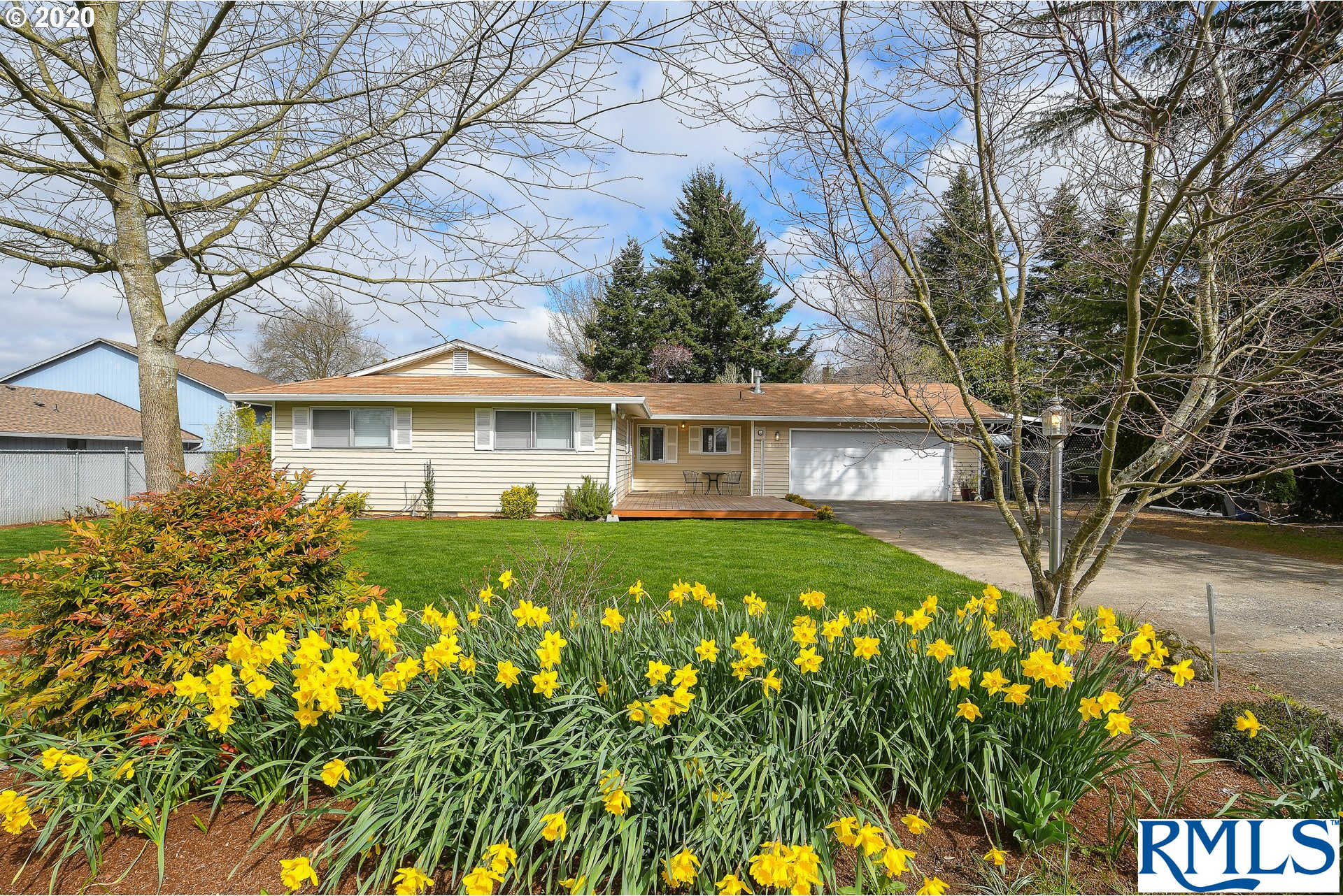 2714 NW 113TH St, Vancouver, WA 98685 is now new to the market!