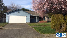 1126 Michigan Ave, Coos Bay, OR 97420