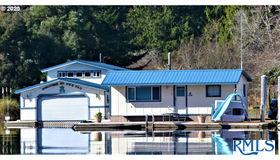 3145 S Ten Mile Lake, Lakeside, OR 97449