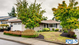 15745 sw Queen Victoria Pl, King City, OR 97224