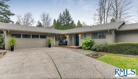 6735 sw Parkwest Ln, Portland, OR 97225