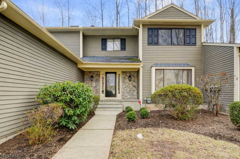 7 Hunters Cir, Tewksbury twp., NJ 08833-4391 is now new to the market!