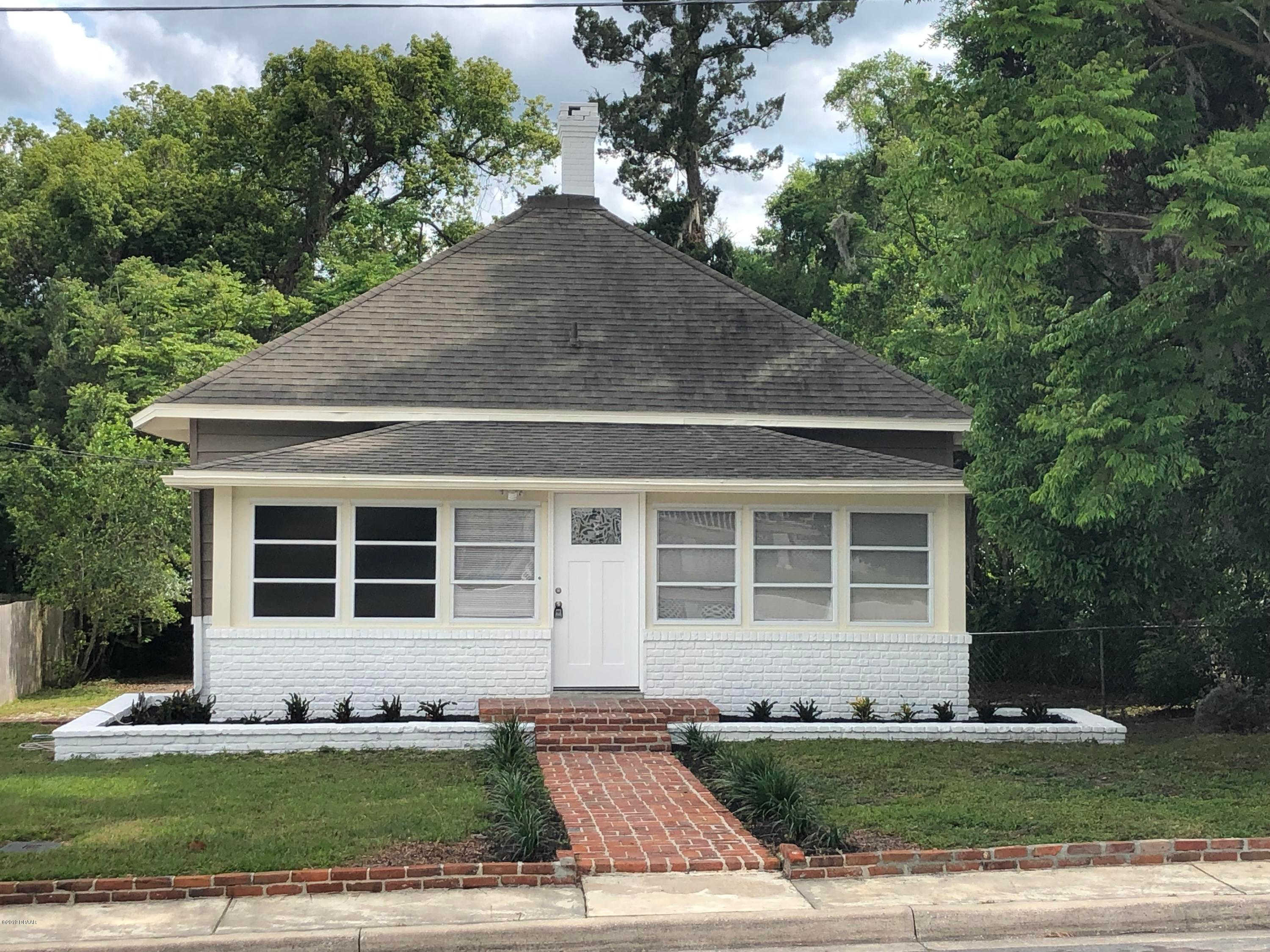 430 W Wisconsin Avenue, Deland, FL 32720 now has a new price of $199,002!