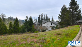 Deertrail Rd, Eugene, OR 97405