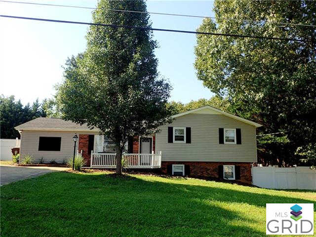 2618 32nd Avenue, Hickory, NC 28601 is now new to the market!