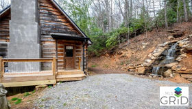 130 Flat Top Mountain Road, Fairview, NC 28730