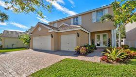 268 Kensington Way, West Palm Beach, FL 33414