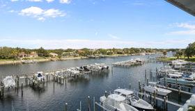 643 Bay Colony Drive S #with  Boat Slip #6, Juno Beach, FL 33408