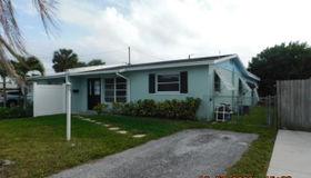 4 Robalo Court, North Palm Beach, FL 33408