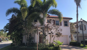 528 Tomahawk Court, Palm Beach Gardens, FL 33410