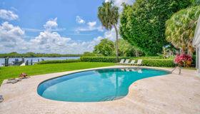 9666 Se Landing Place, Tequesta, FL 33469