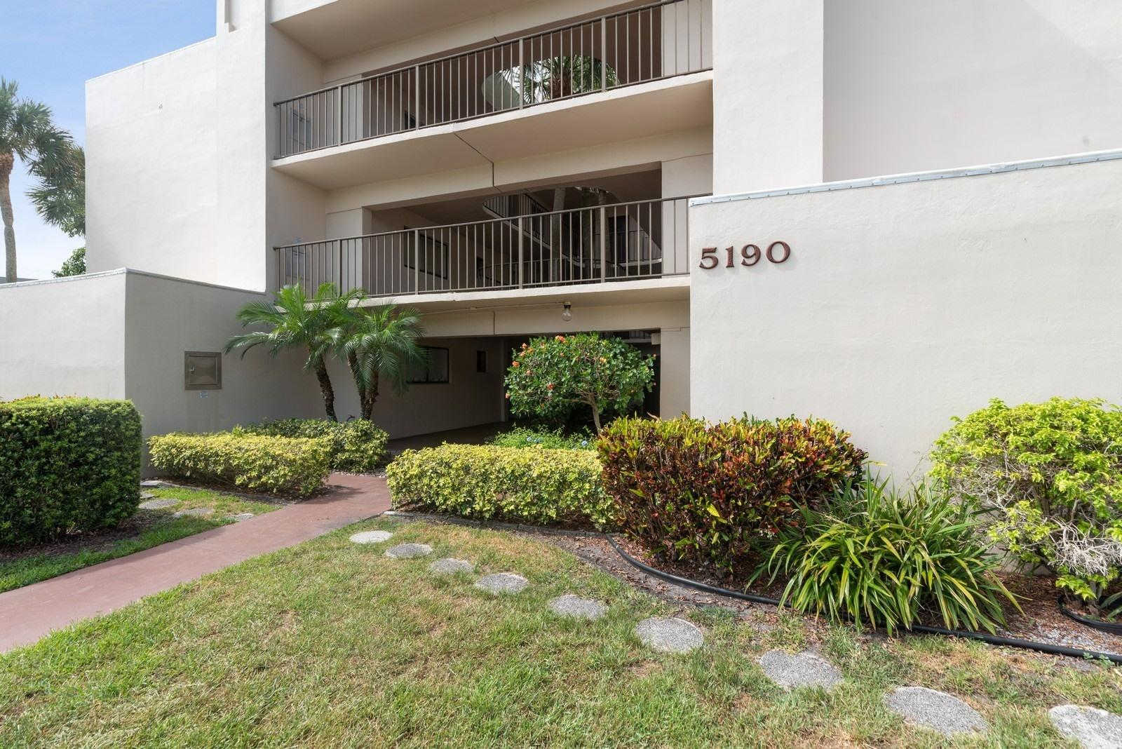 5190 Las Verdes Circle #324, Delray Beach, FL 33484 is now new to the market!