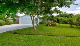 785 Se Fallon Drive, Port Saint Lucie, FL 34983
