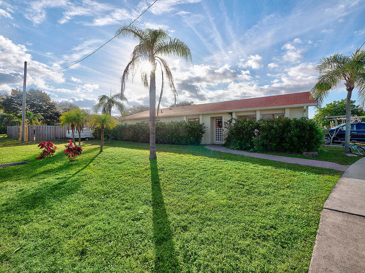 18945 Se Homewood Avenue, Tequesta, FL 33469 is now new to the market!