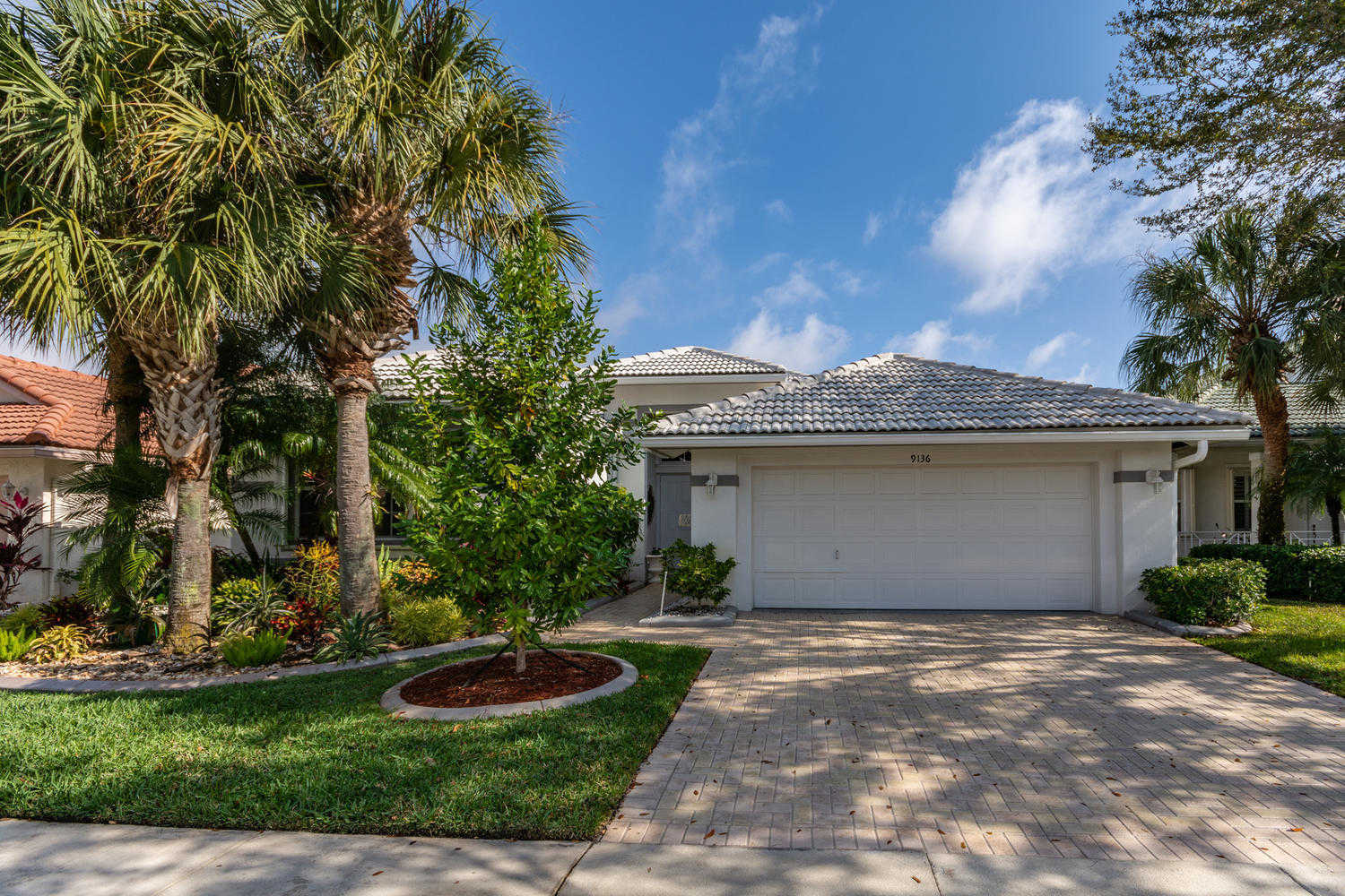 Video Tour  - 9136 Bay Harbour Circle, West Palm Beach, FL 33411