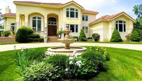 7421 Wing Lake Rd, Bloomfield Hills, MI 48301-3776