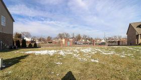 39 Morross Cir, Dearborn, MI 48126-2395
