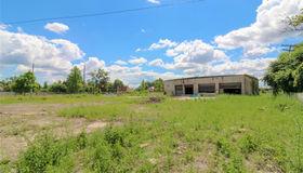 2437 S Schaefer Hiwy, Detroit, MI 48217-1676