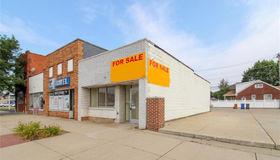 10214 W Warren Ave, Dearborn, MI 48126-1657