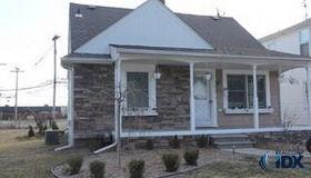 1304 N Wilson Avenue, Royal Oak, MI 48067