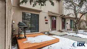 637 Oakbrook W #20, Rochester Hills, MI 48307