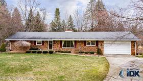 25393 Ridgewood Drive, Farmington Hills, MI 48336