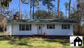 1304 Snowhill Dr., Conway, SC 29526