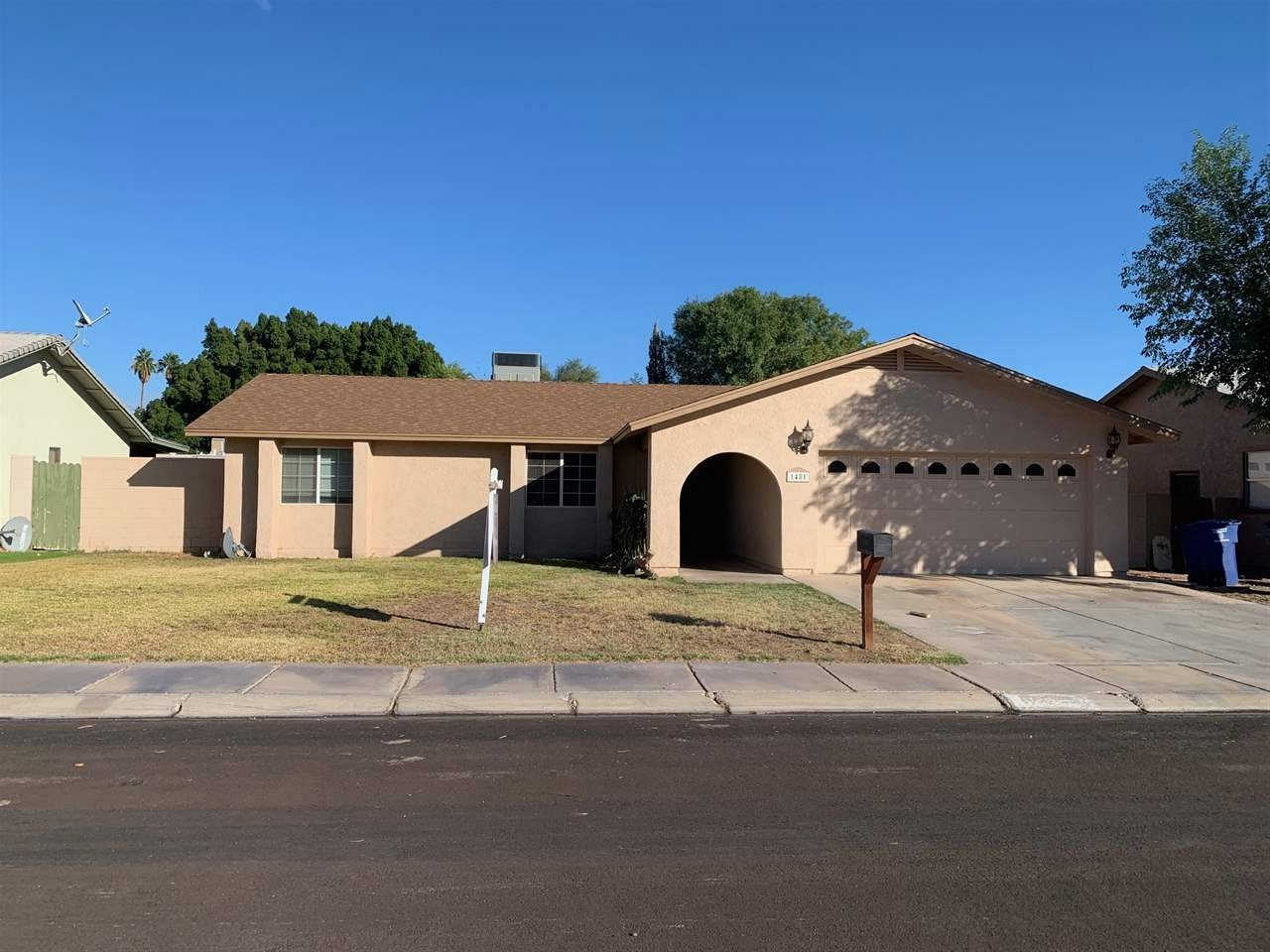1481 S 42 Dr, Yuma, AZ 85364 now has a new price of $185,000!