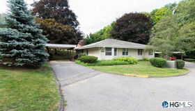 29 Cambridge Court #a, Yorktown Heights, NY 10598