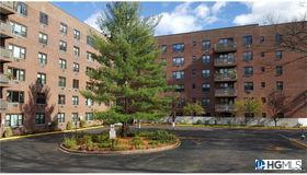 77 Carpenter Avenue #1m, Mount Kisco, NY 10549