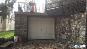 89 Entrance Way, Mahopac, NY 10541