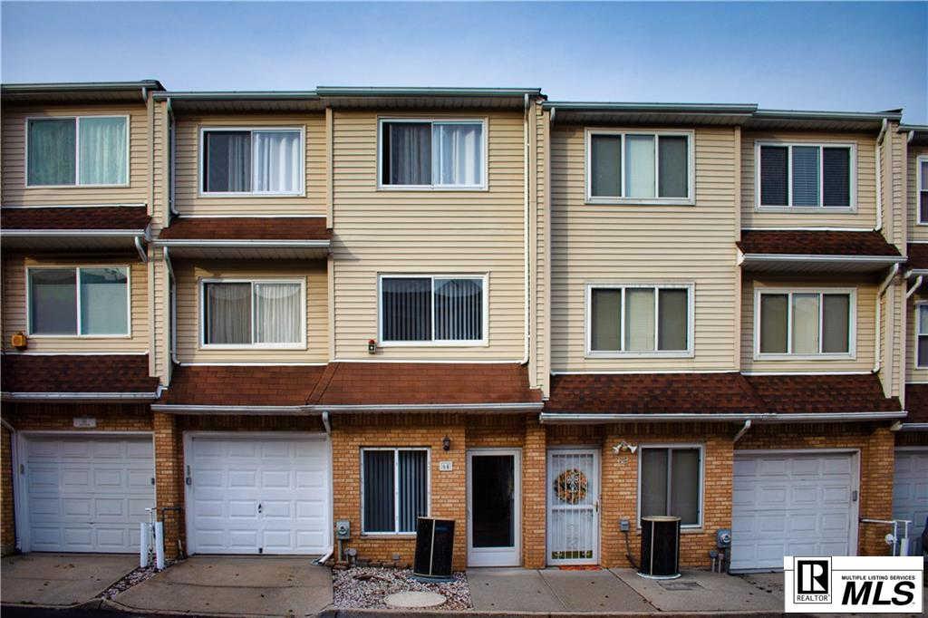 64 Sandywood Lane, Staten  Island, NY 10309 now has a new price of $375,000!