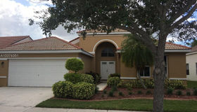559 Carrington Dr, Weston, FL 33326