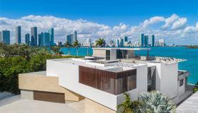 941 N Venetian Dr, Miami, FL 33139
