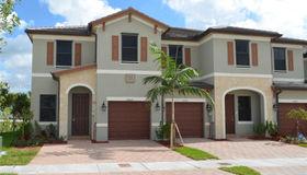 10449 W 32 Lane #10449, Hialeah, FL 33018